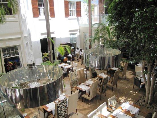 فاينيارد هوتل: Square Restaurant