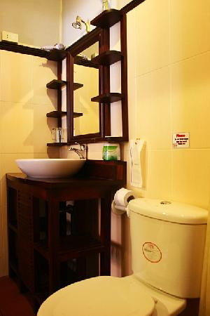 Villa Senesouk: Nice bath room