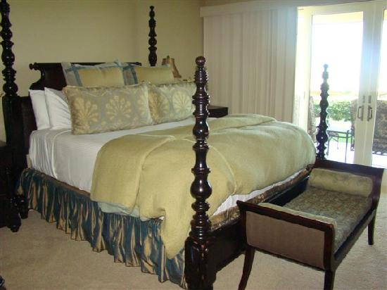 Ho'olei at Grand Wailea: The beds are very comfortable - Master Room Bed
