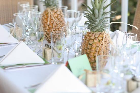 Beautiful Wedding Table Settings - Picture of Plantation Gardens ...