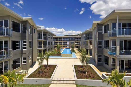 Edgewater Palms Apartments : Resort style complex.