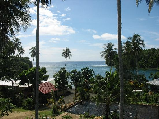 Lihir Island, Papoea Nieuw Guinea: View from the main resort residence into Lakakot passage.