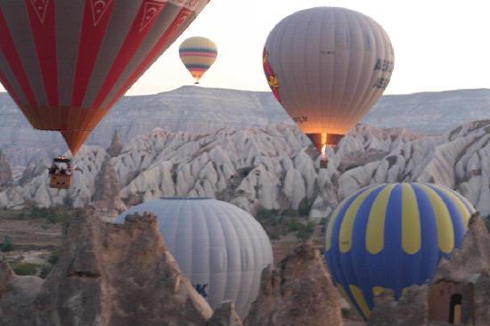 Euphrates Tours : Balloon Over Cappadocia