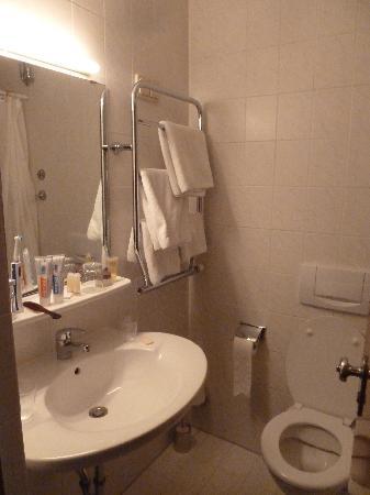 Hotel Montree: Bad