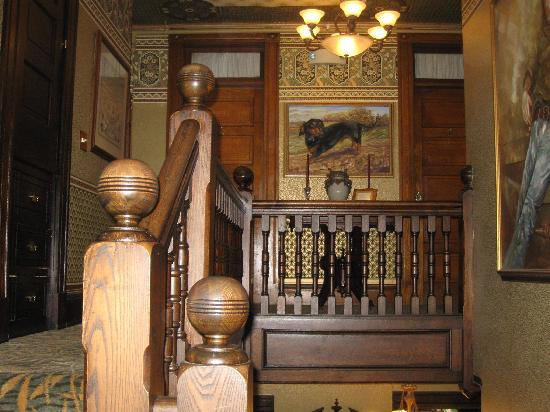 The Village Inn of Woodstock: Stairs