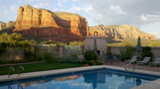 Canyon Villa Bed and Breakfast Inn of Sedona: Views from Canyon Villa at Dusk