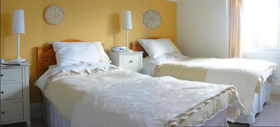 Marsule Bed and Breakfast: Room 3 is south faceing and has views of the sea