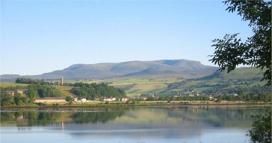 Marsule Bed and Breakfast: This is a view looking towards Dingwall from the Black Isle