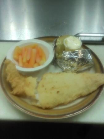 Jermyn, Pensilvania: Fresh baked or fried haddock $9.95