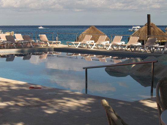 El Cid La Ceiba Beach Hotel: Pool