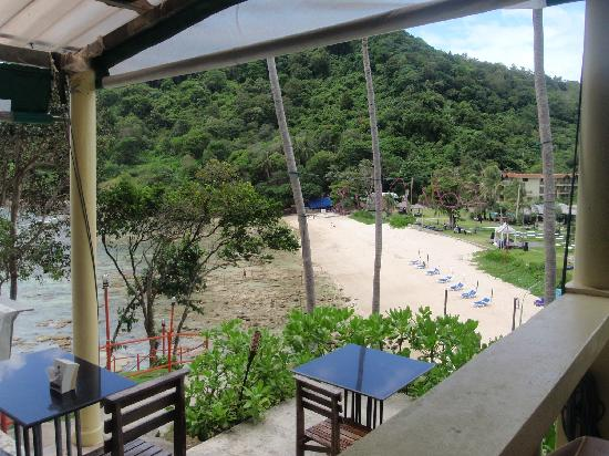 Phuket Marriott Resort & Spa, Merlin Beach: From the restaurant on the hill.