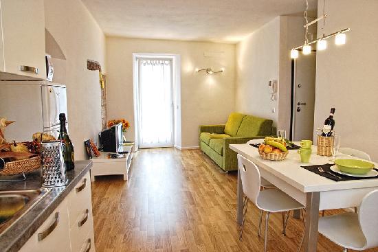 Appartamenti segantini hotel arco prezzi 2019 e recensioni for Foto di appartamenti ristrutturati