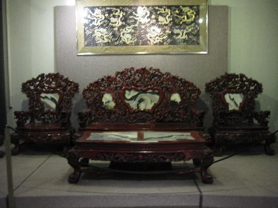 Merveilleux Chinese Cultural Centre Museum: Royal Furniture
