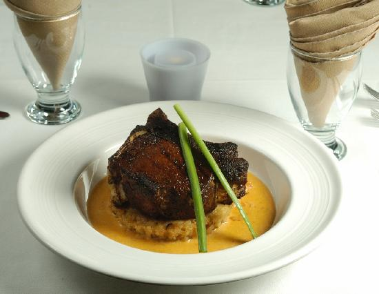 Maya Beach Hotel Bistro : Cacao rubbed pork chop