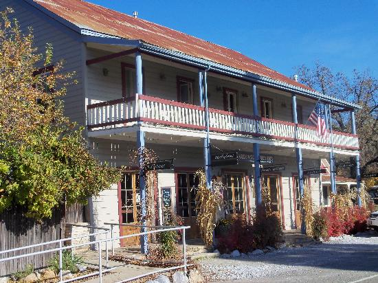 St. George Hotel: Union Inn - a short walk away,