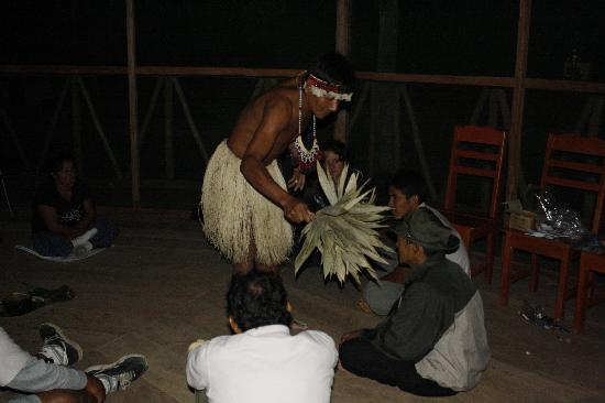 Amazon Flower Lodge Day Tours: Shaman Ceremony at the Lodge