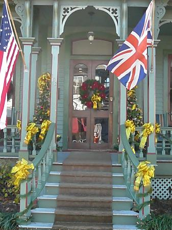 The Queen Victoria: The Front Porch!