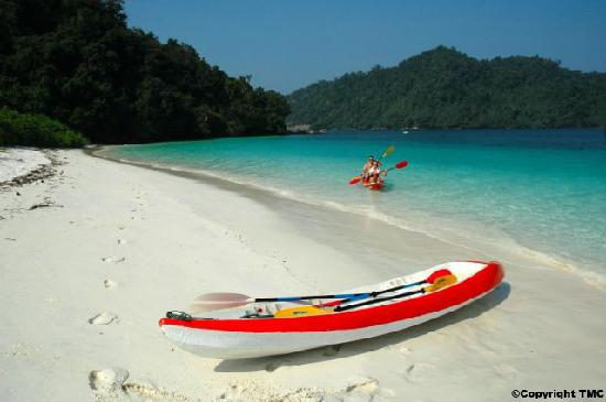 Myeik (Mergui) Archipelago, Myanmar: Kayaking and Nature tour