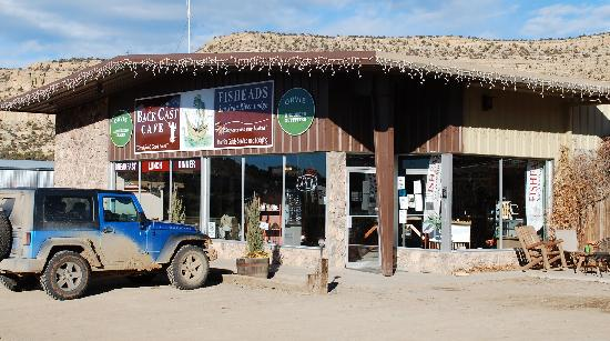Fisheads San Juan River Lodge : Backcast Cafe and Fly shop