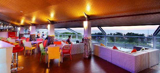 Best Western Kuta Beach: Triple S Bar&Lounge