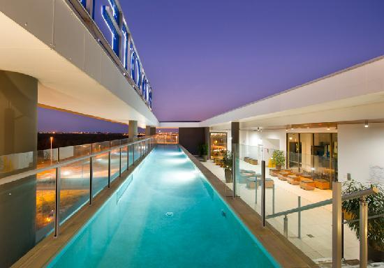 Novotel Brisbane Airport: Rooftop pool
