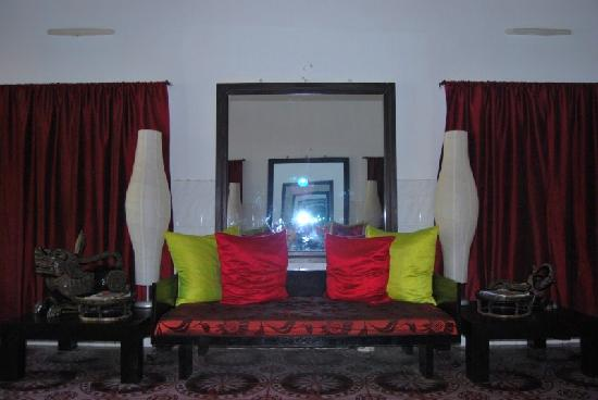 Ei8ht Rooms Guesthouse : Reception....