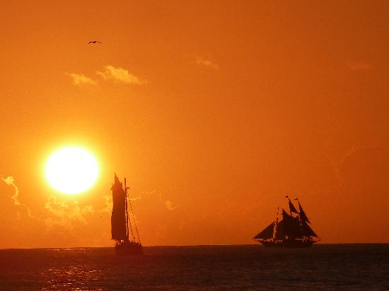Southernmost Beach Resort: Sunset from Mallory Square