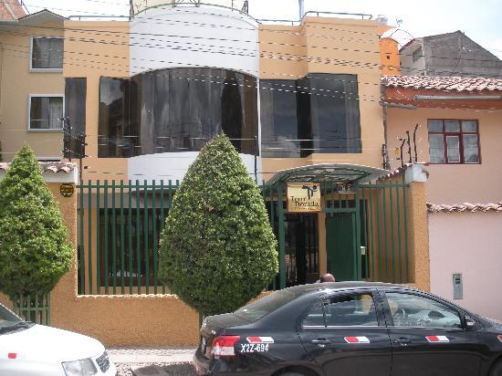 Hotel Torre Dorada: External shot of hotel