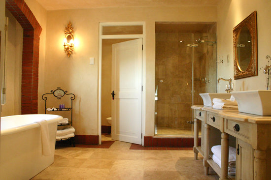 Franschhoek Country House & Villas: Villa Suite Bathroom
