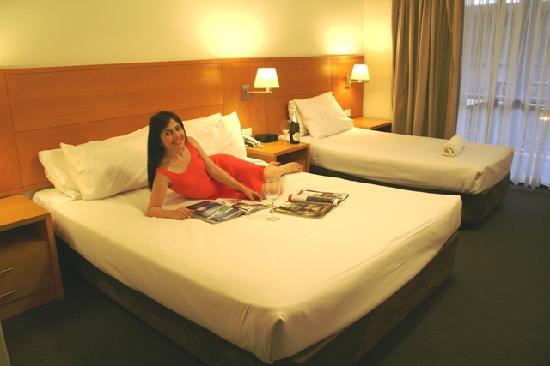การ์เด้นลอดจ์ ซิดนีย์: Deluxe 3 - One Queens Bed and One Sgl Bed