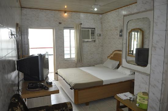 Apana Hotel: Room