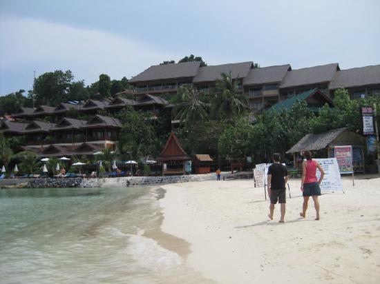 Haad Yao Bayview Resort & Spa: facade of the hotel