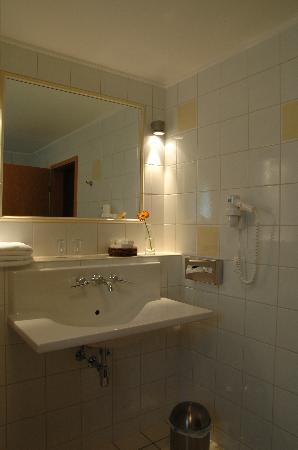 Manoir Kasselslay Hotel-Restaurant : Une salle de bains