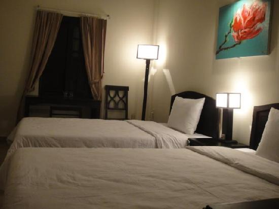 Jade Hotel: twin beds