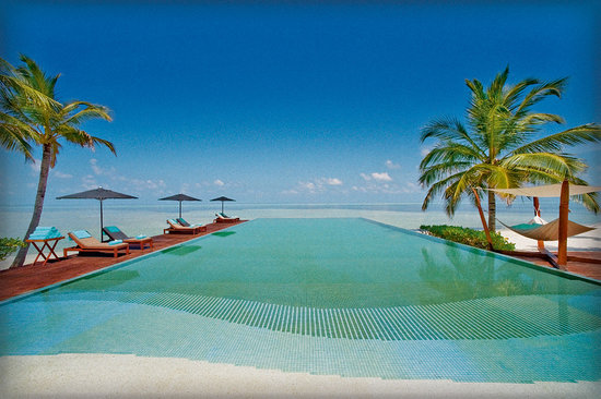 LUX* South Ari Atoll: LUX* Maldives Pool
