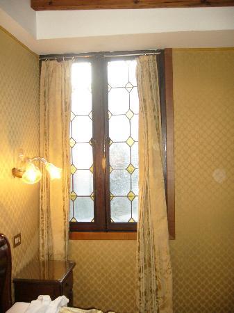 Arco Antico Guest House: camera da letto