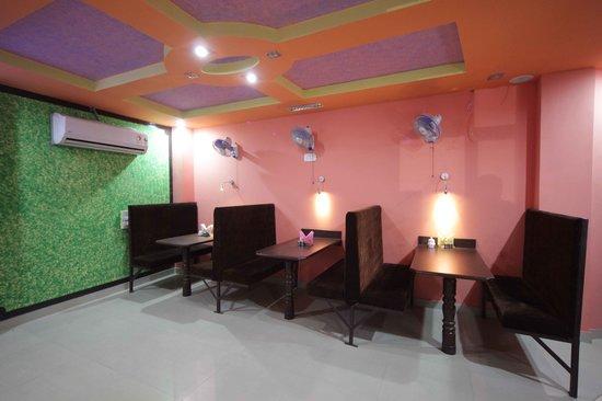 Om Cafe & Restaurant