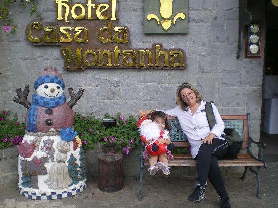 Hotel Casa da Montanha: A netinha e a vovó, felizes da vida....