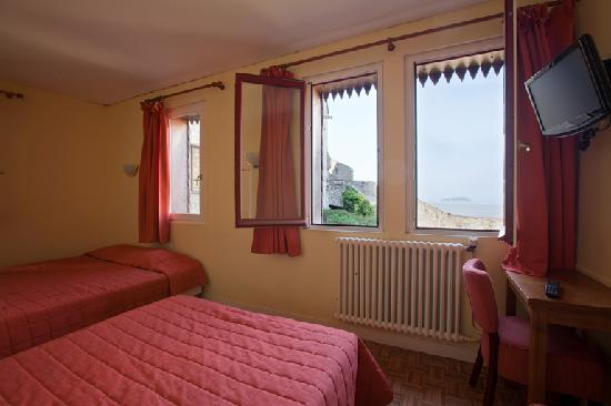 Hotel Saint-Michel: Chambre triple