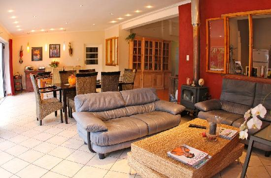 Cape Valley Manor: Lounge