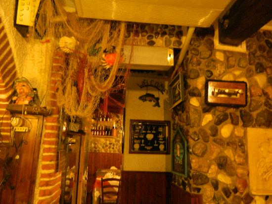 Interno 2 - Foto di ristorante il sottoscala, Porto Azzurro - TripAdvisor