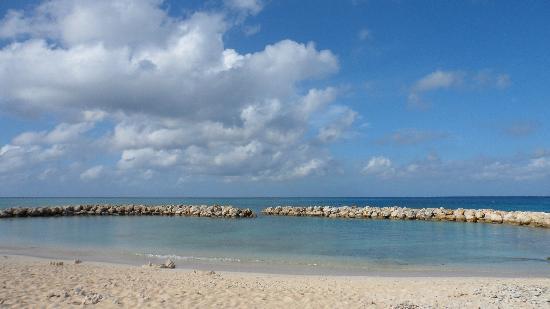 تريجر أيلاند ريزورت: Private Beach...simply beautiful