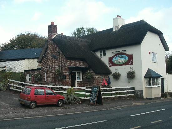 The White Hart Inn : the outside