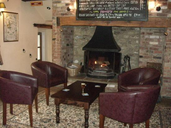 The White Hart Inn : the bar