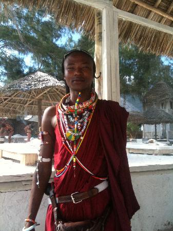 Barracuda Inn : il Masai di guardia alla spiaggia!