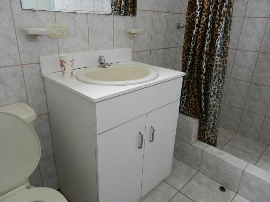 Hotel Chipipe: Bathroom
