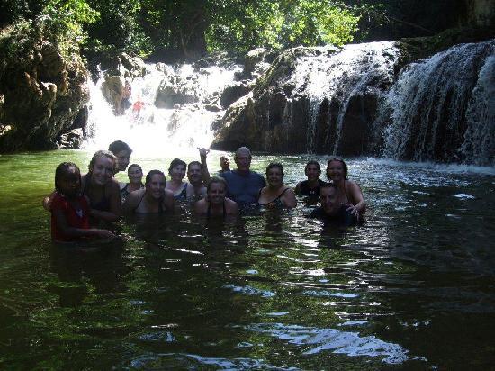 Tauro Tours: Cascada Lulu