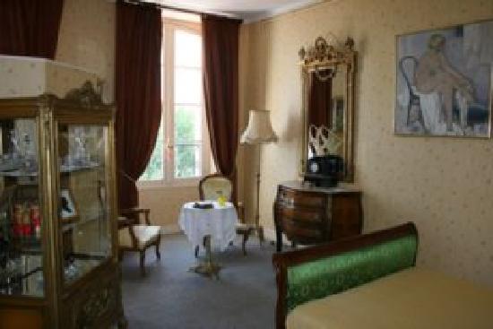 Chateau de Maubuisson: La chambre jaune