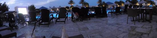 IP Casino Resort Spa - Biloxi: Relaxing by the pool at night