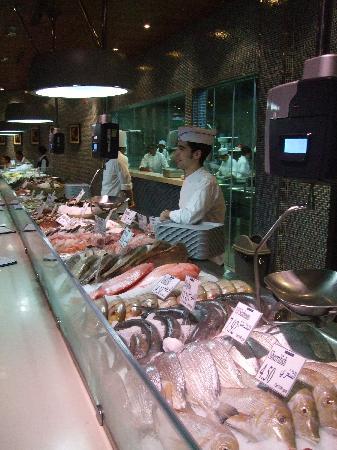 L'wzaar Seafood Market: Seafood Market